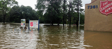salvation army baton rouge corps serves despite flood damage